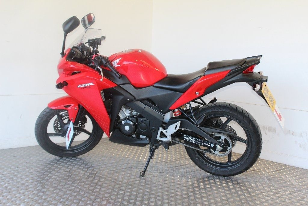 Used Honda Cbr125 Available For Sale Red 2926 Miles Honda Used Motorcycles